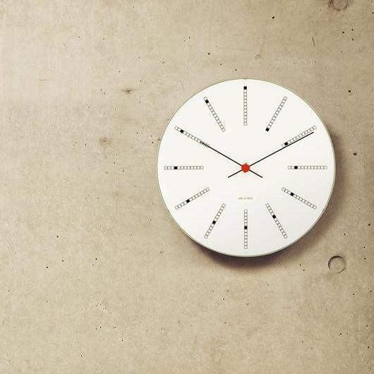 アルネ・ヤコブセンの時計と歴史