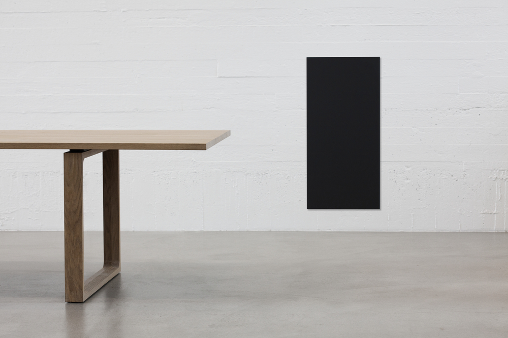 essay table fritz hansen Experience fritz hansen's wide range of tables, from designers such as poul kjærholm and jaime hayon, here find the whole table collection here.