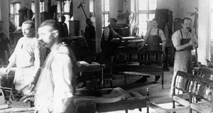 production_woodchairs_1910.jpg