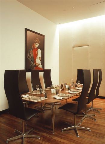 Aquavit Restaurant_New York_Oxford_Table series_Arne Jacobsen.jpg