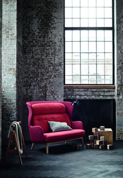6990_Ro Sofa - Red.jpg