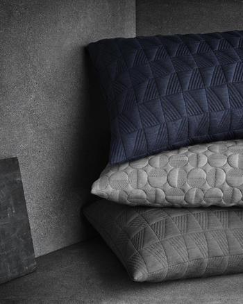 9882_Objects - Cushion_ Arne Jacobsen.jpg