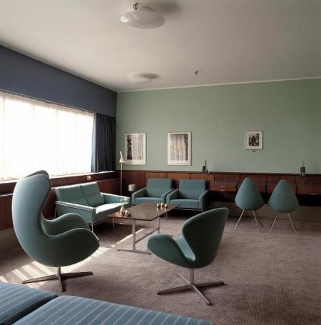 383_Egg and Swan - SAS Royal Hotel .jpg