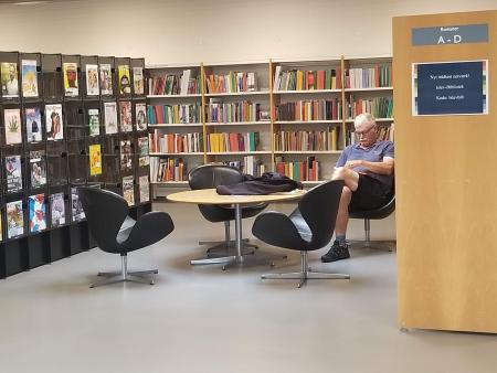図書館スワン.jpg