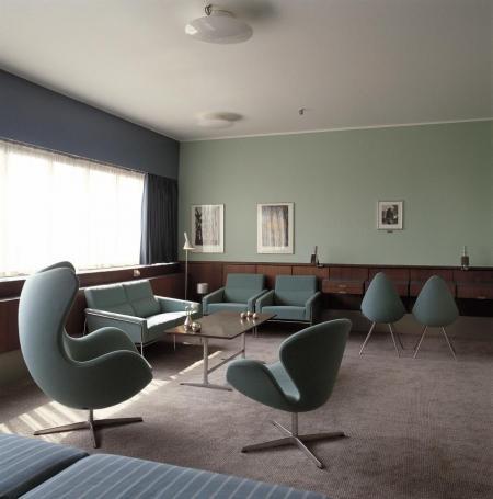 383_Egg and Swan - SAS Royal Hotel .jpgのサムネイル画像