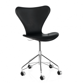 16682_Series 7 - Leather_ black.png